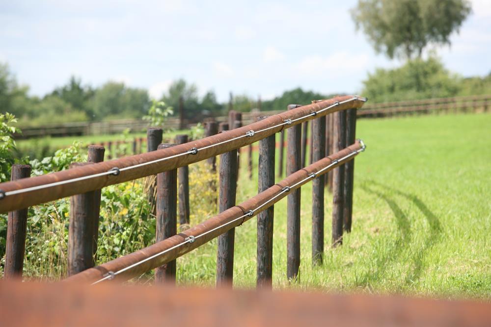 Cl u00f4tureélectriques ou en bois pour chevaux Pours et contres # Cloture Bois Chevaux