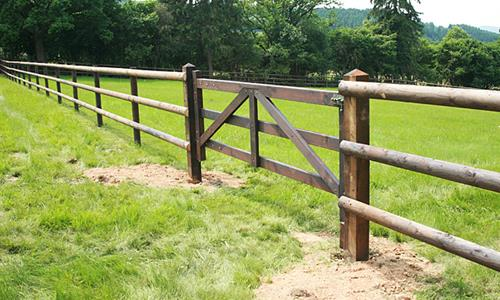 Installation service for paddock fencing